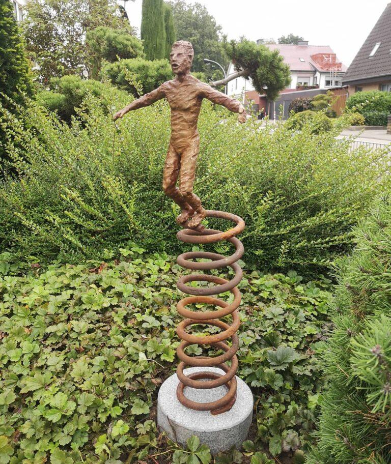 Auf dem Sprung Bronze Skulptur Andreas Magera 00